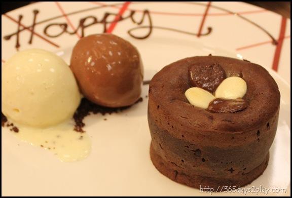 DB Bistro Moderne -  Clafoutis Tout Chocolate