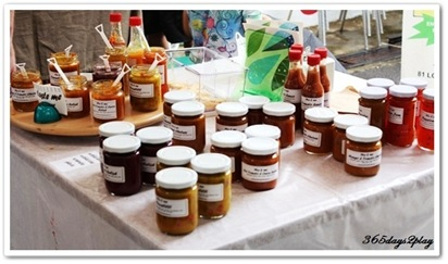 Aussie guy selling jams and chutneys