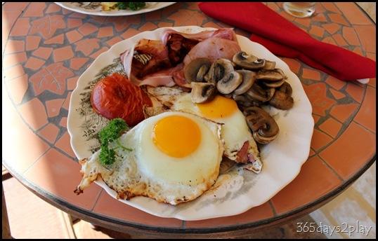 Lavendale - Breakfast (2)