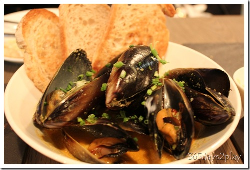 The Disgruntled Chef - Curried Mussels