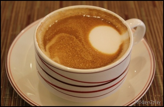 db Bistro Moderne caffe latte