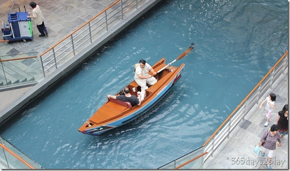 Marina Bay Sands Mall Sampan Ride