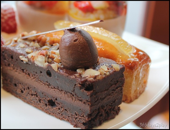 The Knolls - Decademt Chocolate Cake and Orange Cake (2)